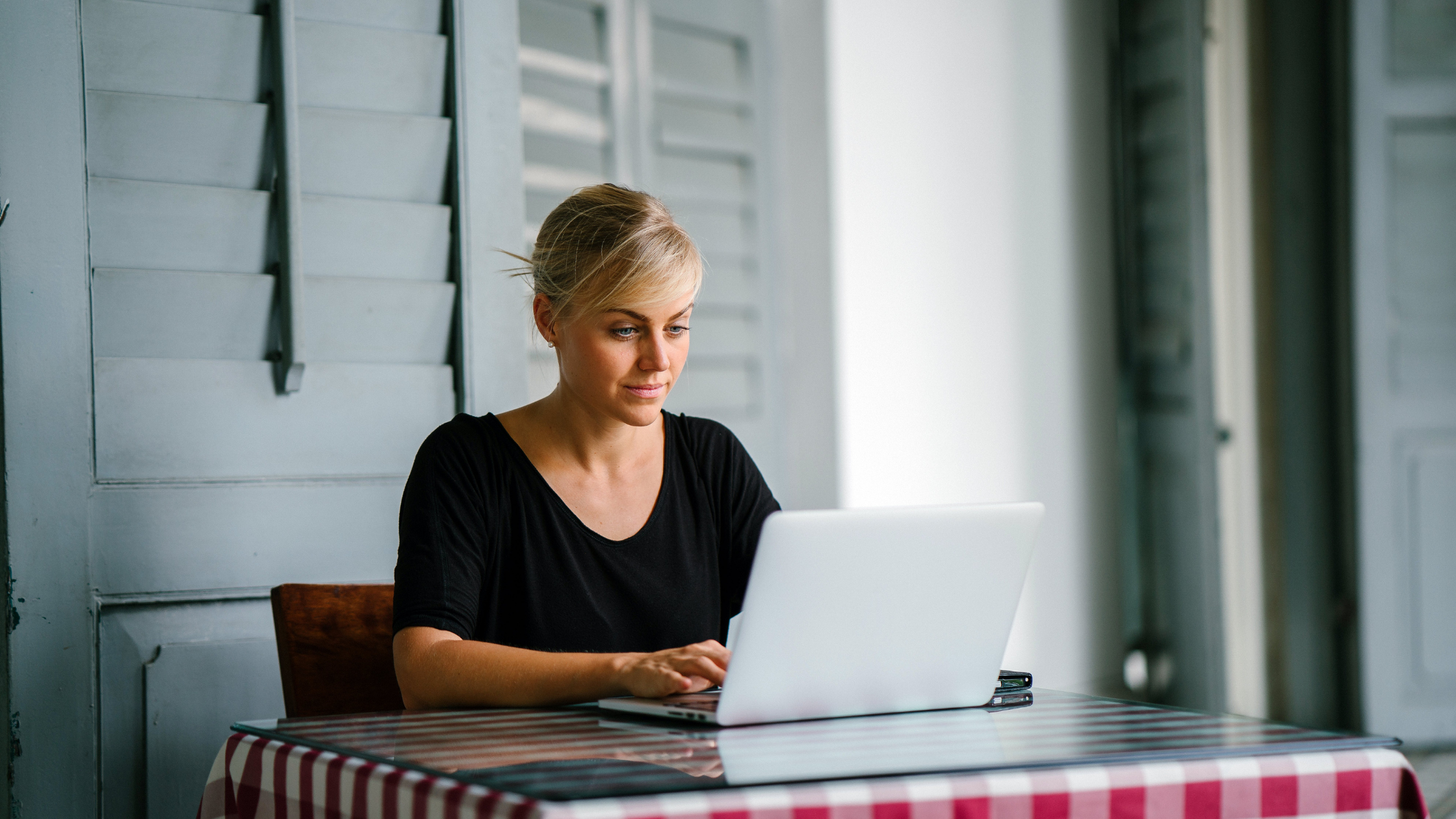 woman reading restaurant industry blog